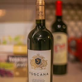 Toscana vino rosso by Yordan Mihov - Food & Drink Alcohol & Drinks ( rosso, italian, toscana, minolta, sony alpha, vino, wine bottle )