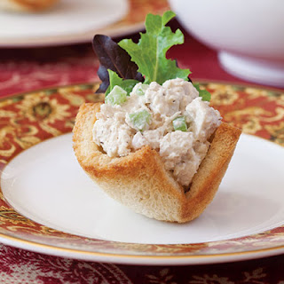 Chicken-Almond Salad in Bread Baskets