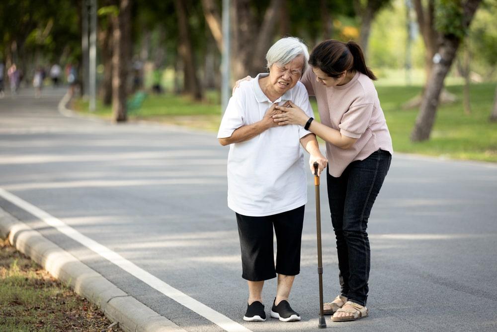 População idosa faz parte do grupo que mais sofre com doenças cardíacas. (Fonte: Shutterstock)