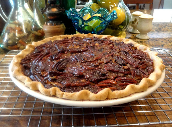 Pecan Pie With Molasses And Bourbon -- Bonnie's Recipe