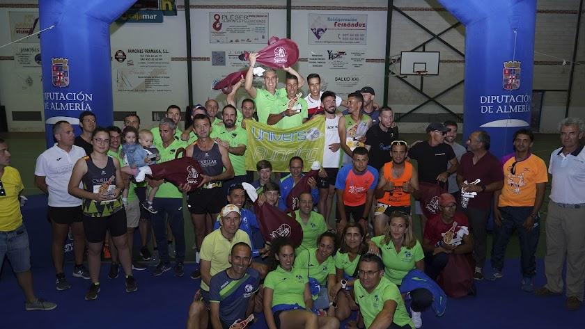 El podio con los ganadores en Serón.