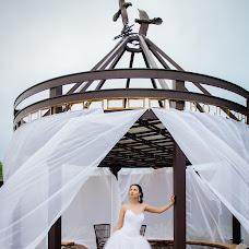 Wedding photographer Olesya Seredneva (AliceSov). Photo of 11.08.2015