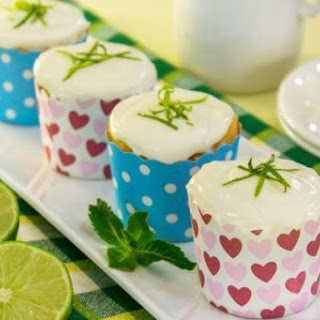 Muffins With Lime Cream
