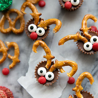 5-ingredient Mini Reindeer Treats (Video)
