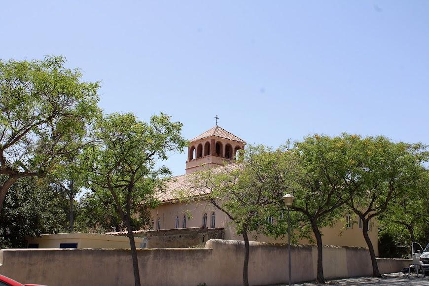 Iglesia de San Pedro en el núcleo de Rodalquilar.