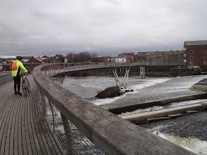Photo: Millenium Bridge, Castleford.