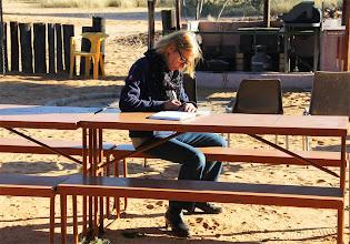 Photo: Ida schrijft haar dagboek