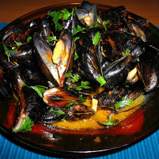 Mejillones picantes (Spicy Spanish Mussels).