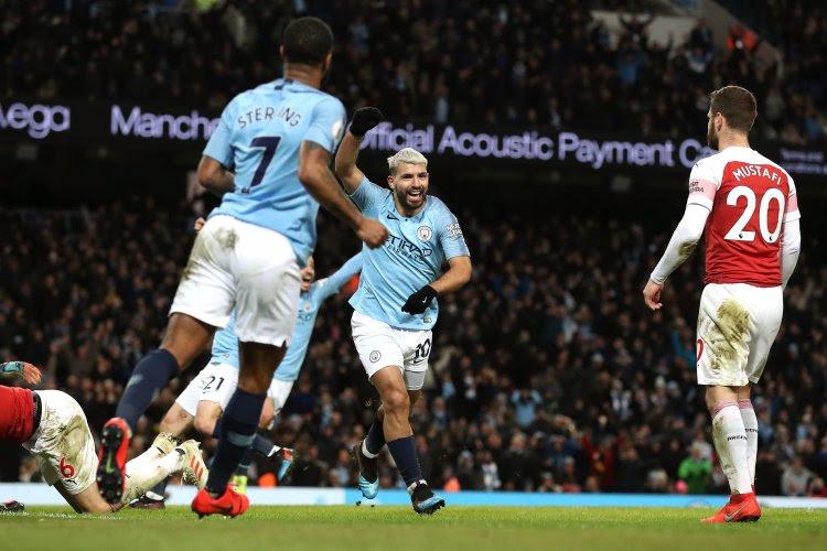 Hattrickheld Agüero hijst Man City eigenhandig naar de tweede plaats