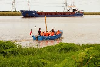 Photo: Indipup sees Thebe run aground.