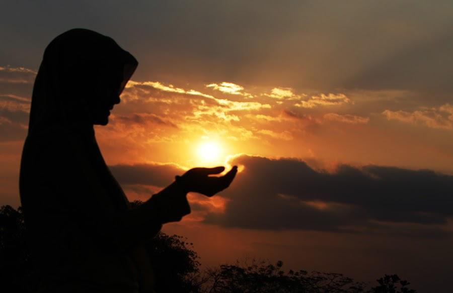 The Prayer by Chandra Kushartanto - People Fine Art (  )