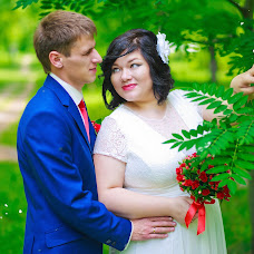 Wedding photographer Yana Starygina (Yanastary). Photo of 25.07.2016