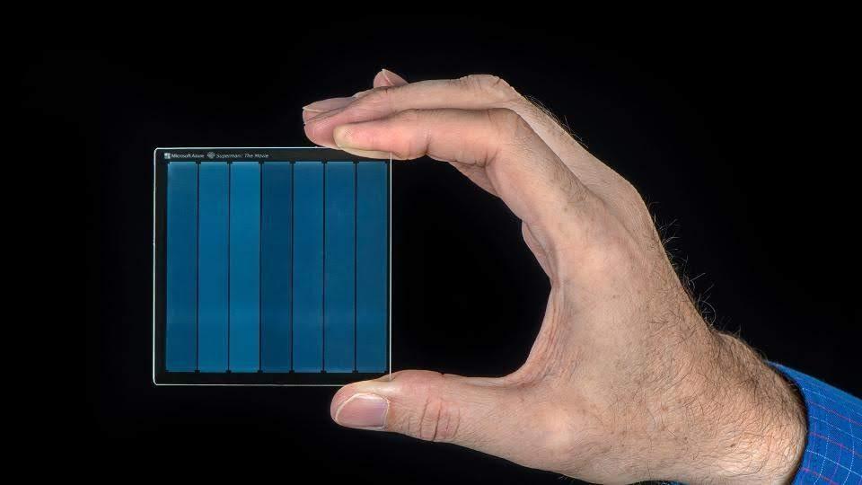 Project Silica: Microsoft archives, retrieves Superman movie on a Quartz glass