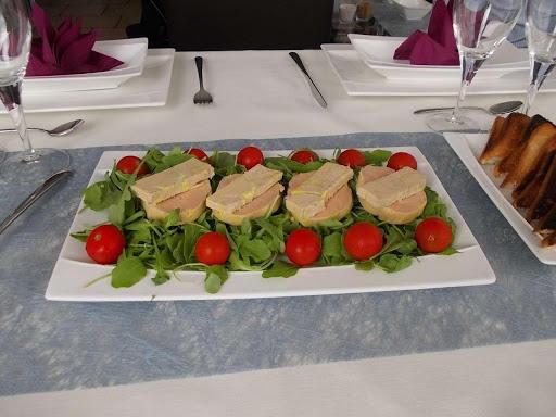 ambiance-table-dhotes-en-vaucluse-a-entrechaux-pres-du-mont-ventoux-en-provence