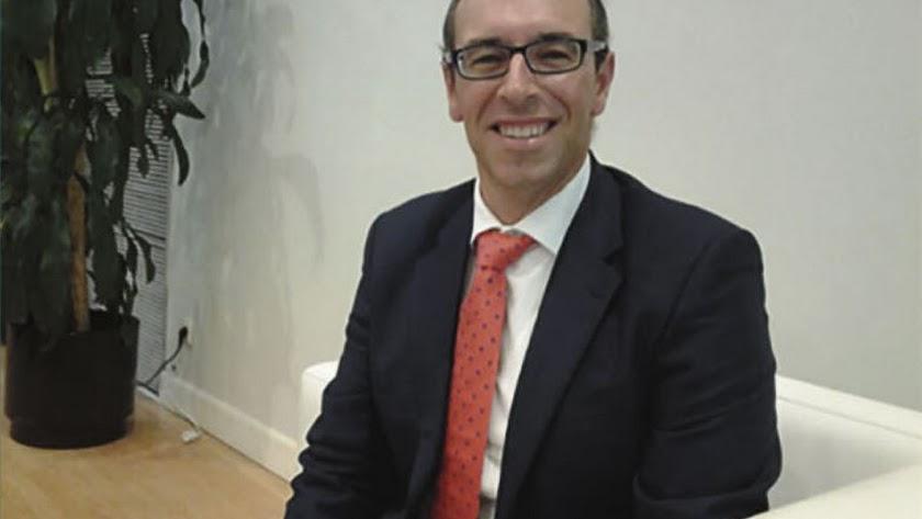 fotografía de Antonio Miguel, economista y colaborador