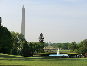 Photo: View of the Washington Monument and Jefferson Memorial from the southern side of the White House