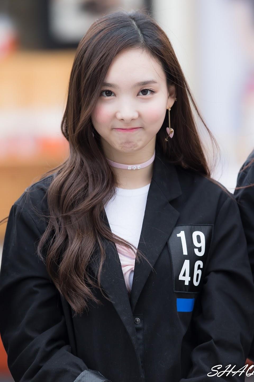 nayeon choker 58