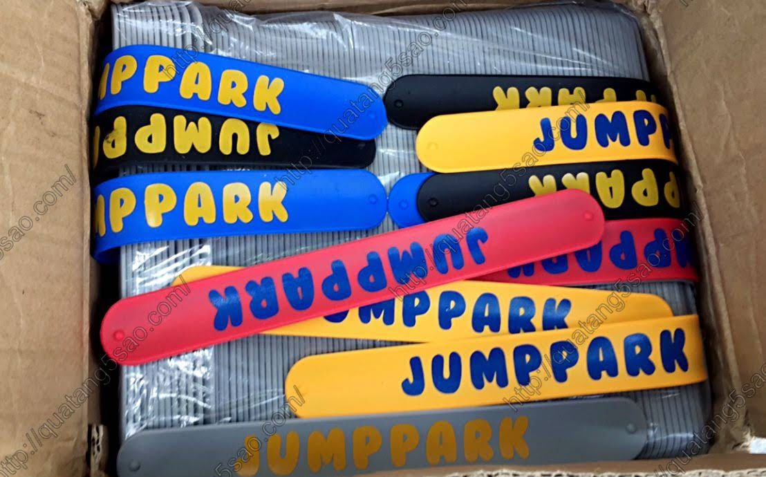 In vòng tay cao su tự gập - Jump Park