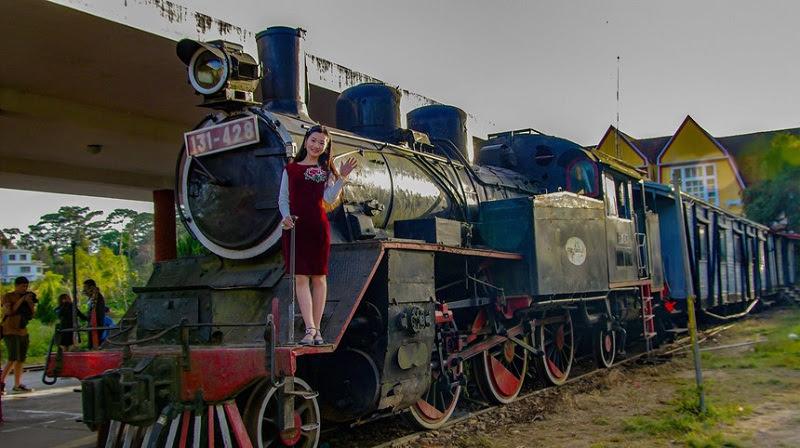 Đoàn tàu dừng tại ga Đà Lạt.