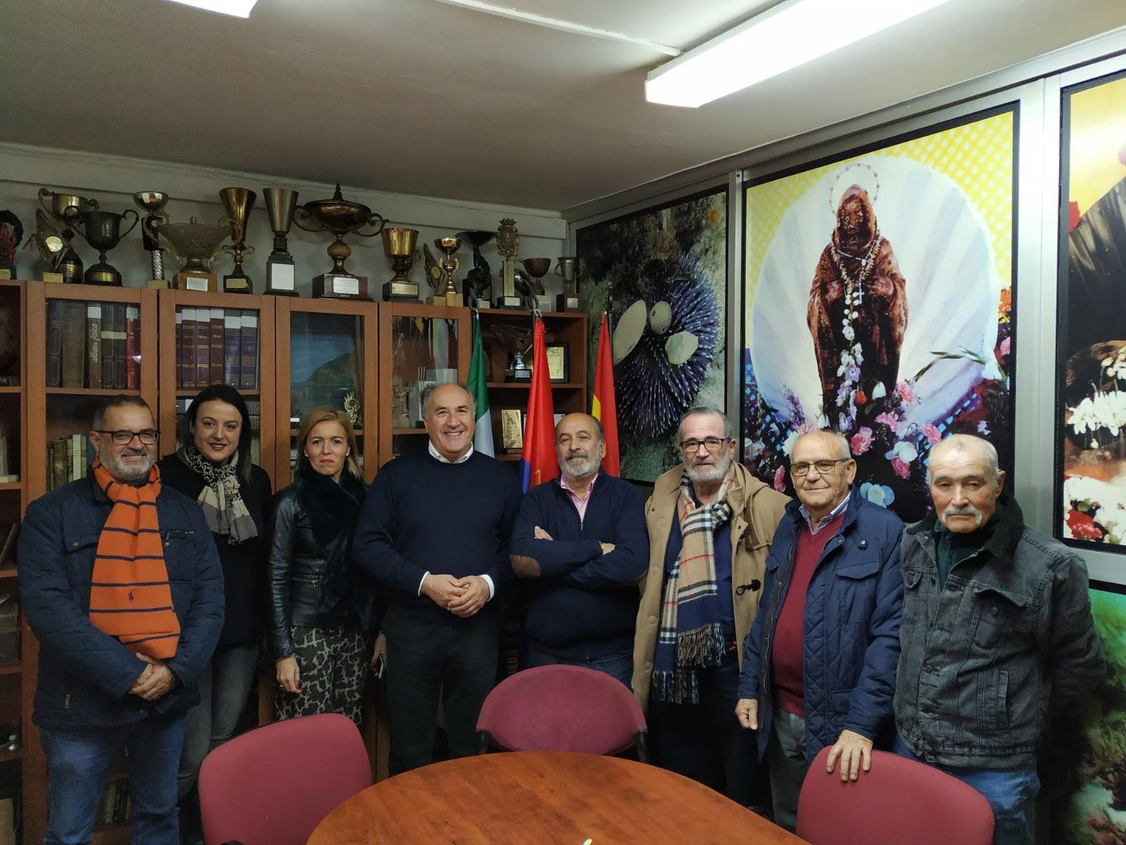 """El alcalde agradece la labor de la directiva de """"El Mero"""""""