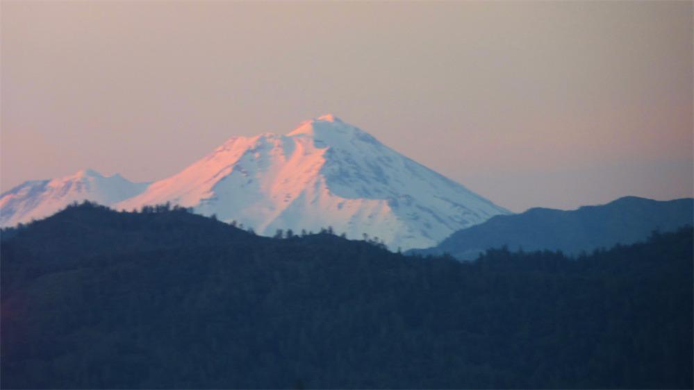 Windshield Shasta Sunsetting.jpg