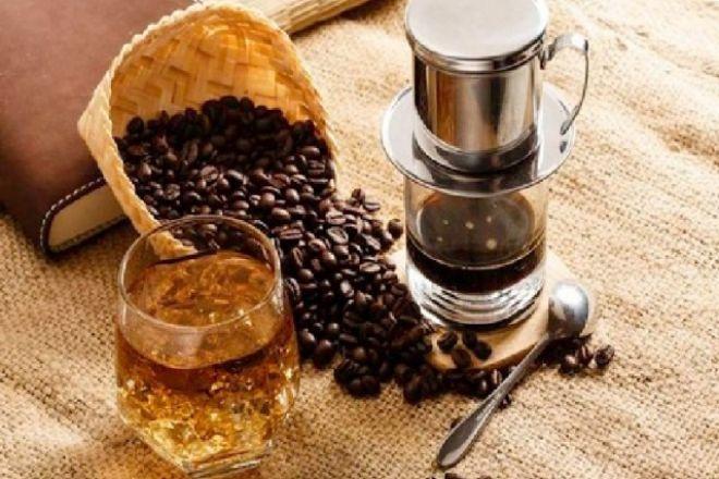 Cà phê nguyên chất là nguyên liệu giúp chị em chăm sóc da hiệu quả