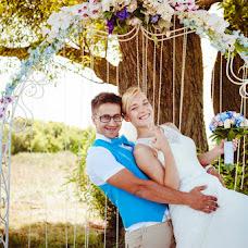 Wedding photographer Yuliya Artemenko (bulvar). Photo of 19.10.2013