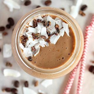 Coconut Mocha Smoothie {Vegan, Dairy Free & Paleo Friendly}.