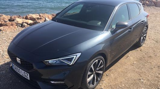 Al volante del nuevo Seat León del concesionario Navarro Segura