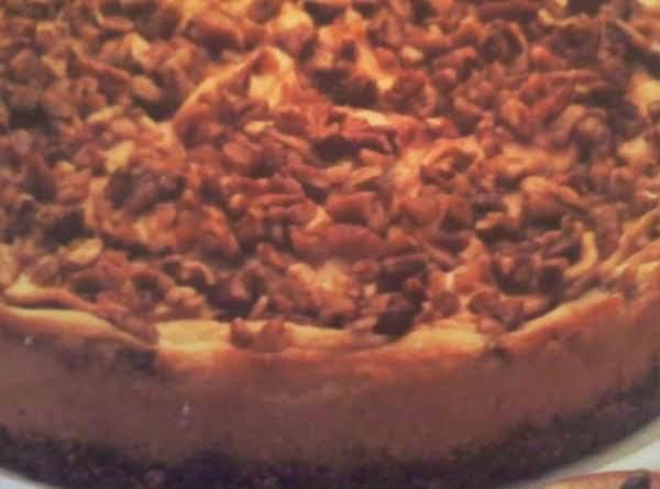 Cinnamon Apple Pecan Cheesecake