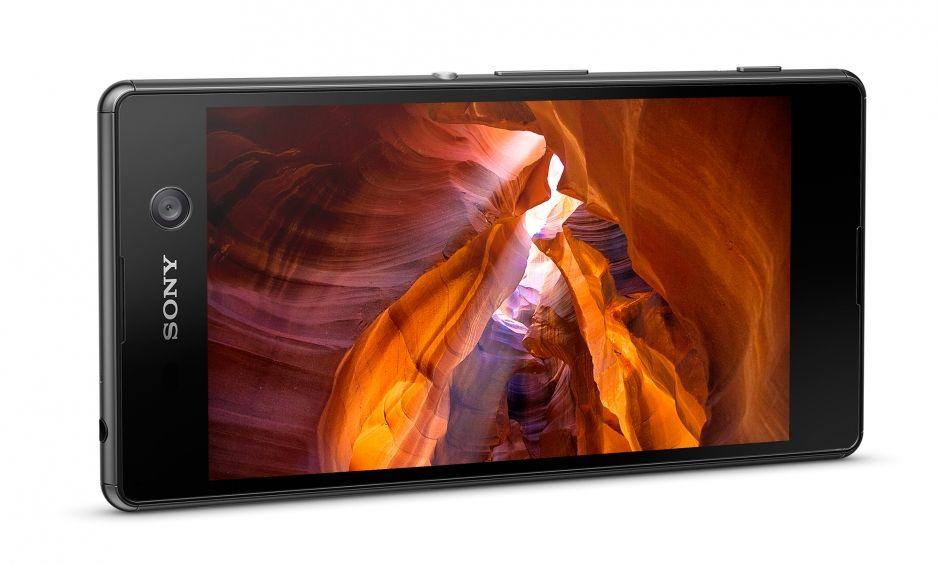 Màn hình Sony XPeria M5 rất sắc nét, cho bạn tận hưởng cảm giác sống động đến từng chi tiết