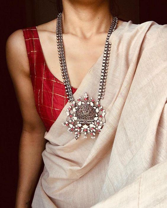 durga-puja-outfit-ideas_saree
