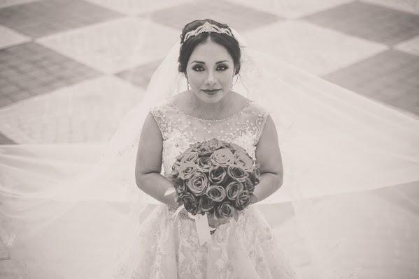 Fotógrafo de bodas Omaar Izquierdo (omaarizquierdop). Foto del 19.08.2016