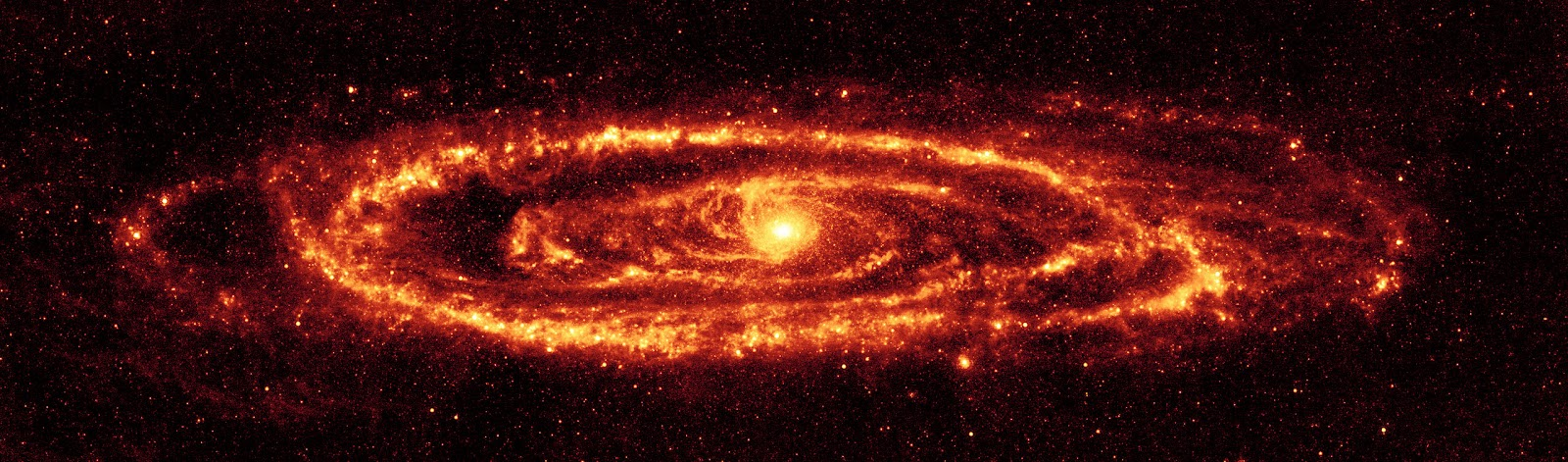 2560px-Andromeda_galaxy_Ssc2005-20a1.jpg
