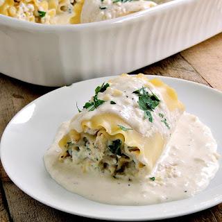 Chicken Alfredo Lasagna Rollups.