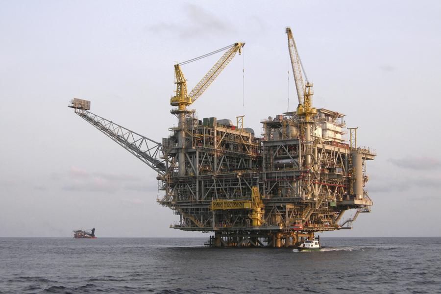 Olie gly nadat Chinese data teleurgestel het