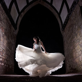 by Dominic Lemoine Photography - Wedding Bride
