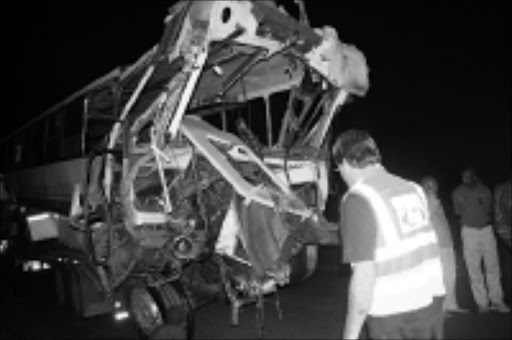 HORRIFIC: This is sthe wreckage of the bus in which 31 people were killed in Piet Retief, Mpumalanga. Pic. Vukane Mnyandu. 07/10/2008. © Sowetan.