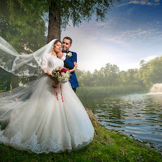 Wedding photographer Adrian Mitranescu (adrianmitranesc). Photo of 02.12.2016