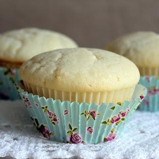Eggless White Vanilla Cupcake Recipe