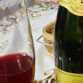 You Make Me Blush Champagne Cocktail #CranberryWeek #MadeinFrance.