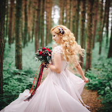 Wedding photographer Anastasiya Kostina (anasteisha). Photo of 07.12.2016