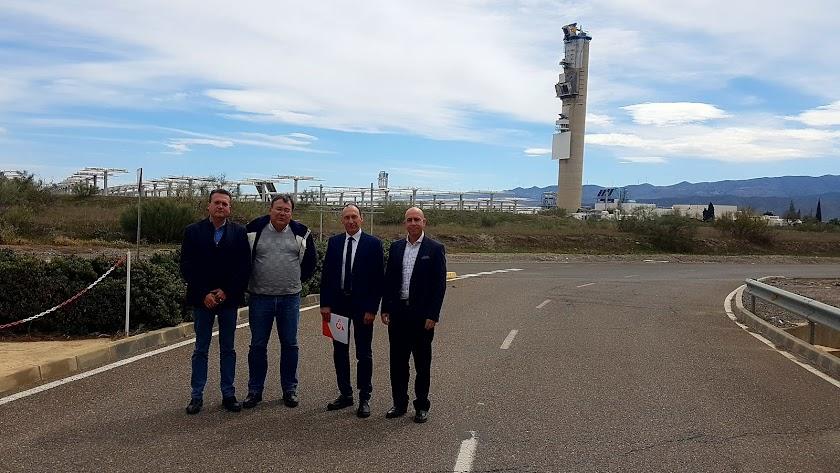 Los diputados de Cs en su visita a la Plataforma Solar.