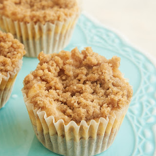 Mini Cinnamon Crumb Cheesecakes