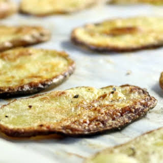 Coconut Oil Oven Roasted Crispy Potato Slices.
