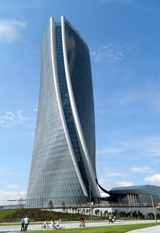 Torre Hadid di lucaldera