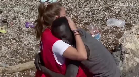 La chica de la Cruz Roja