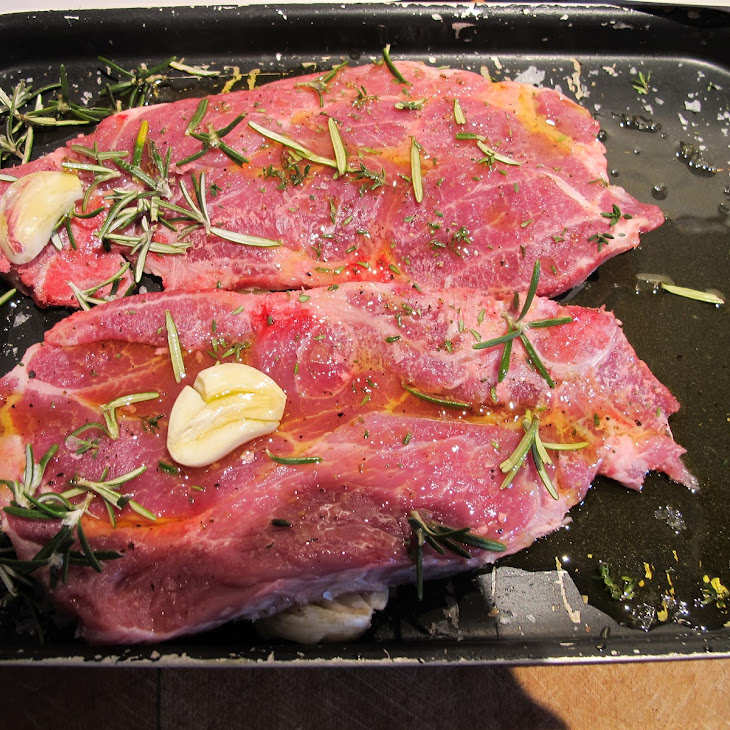 Pork Chops–braised With Rosemary, Garlic And Thyme