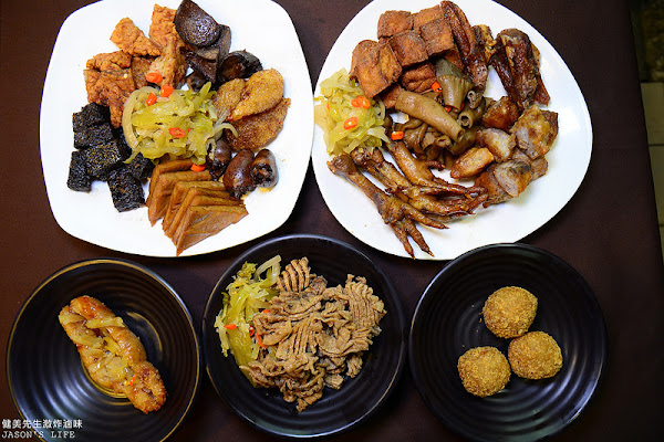 一中街美食,食尚玩家推薦,先滷後炸,推薦大腸頭,外脆內軟又多汁,適合聚餐、下酒菜。健美先生激炸滷味