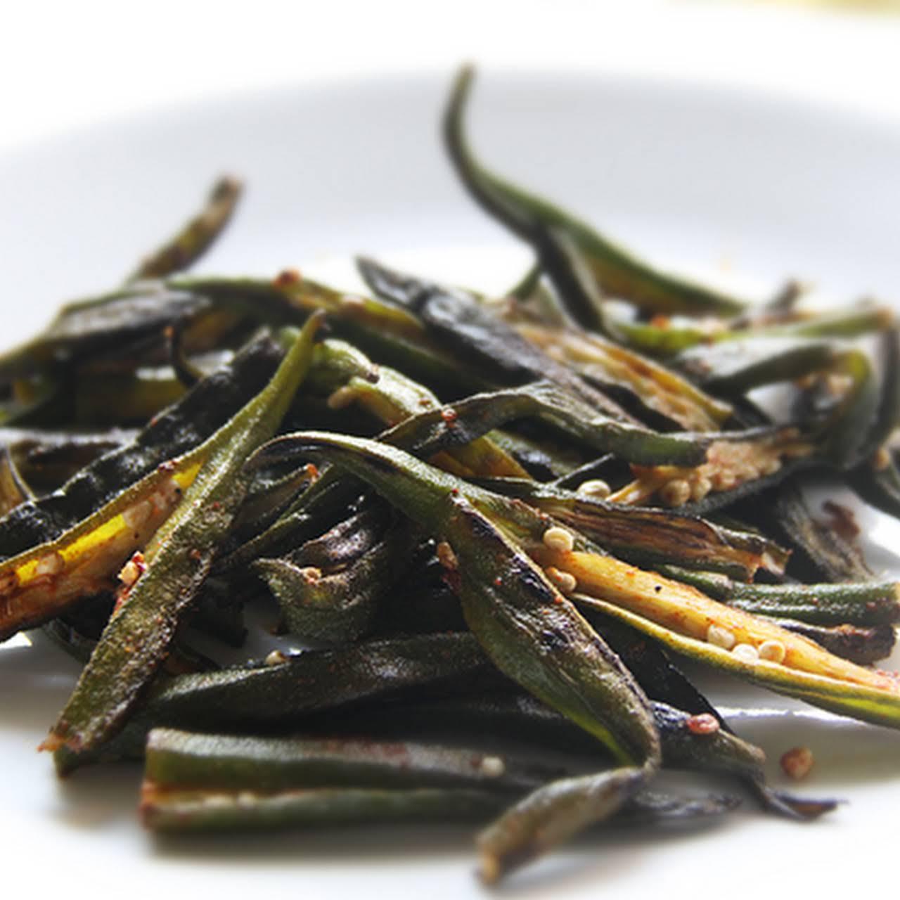 Dry, Spiced Ladyfingers (Okra)